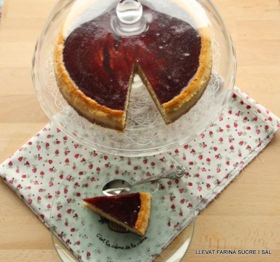 CHEESE CAKE AMB FORMATGE DE BURGOS I MELMELADA DE FRUITES DELBOSC