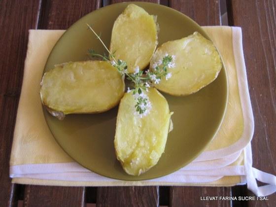 Pollastre fet amb servesa i patates amb pell cuites al microones 006